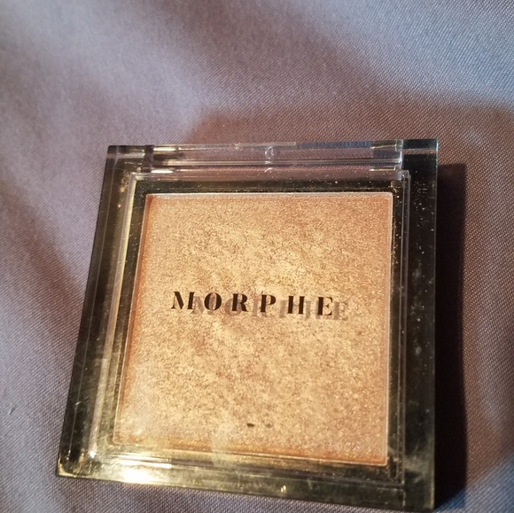 Morphe Makeup Morphe Highlighter Poshmark Ewg scientists reviewed the morphe highlighter, boom product label collected on june 27, 2019 for safety according to the methodology outlined in our skin deep cosmetics database. morphe highlighter